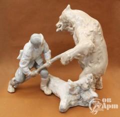 "Скульптура ""Охота на медведя"""